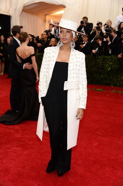 2014-Met-Gala-Red-Carpet-Erykah-Badu