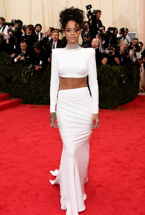 2014-Met-Gala-Red-Carpet-Rihanna