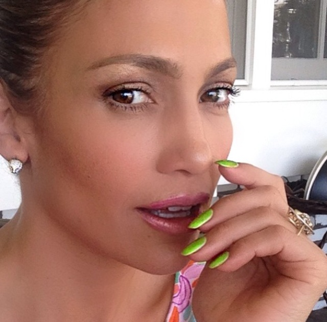 J.Lo in L'Oreal Paris chartreuse