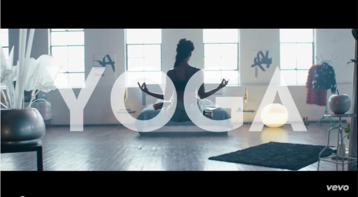 janelle monae-yoga-1